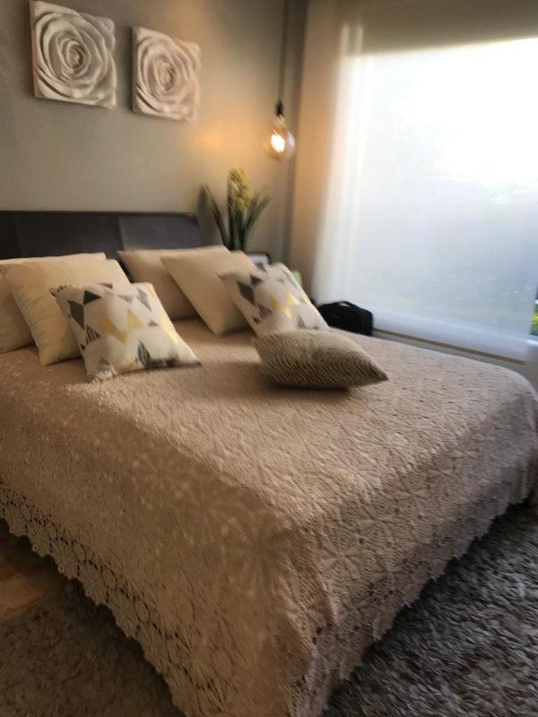 Dormitorio secundario vista lateral casa Santa Inés