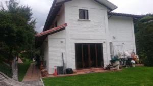 Fachada casa cumbayá cn