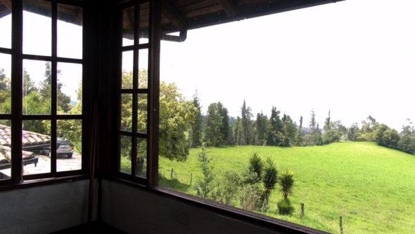 Dormitorio máster vista exterior casa hacienda pasochoa sangolquí